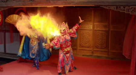 Begoña vuelve a Chengdú para descubrir el epicentro del turismo chino con Nicolás Escaffi