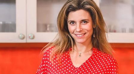 Chef Carola Correa enseña a preparar una hamburguesa de garbanzos