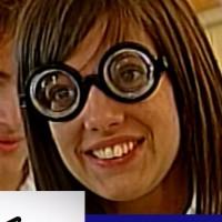 Gabi necesita lentes