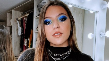 La influencer Ignacia Antonia lanza su primera línea de maquillaje