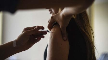 ¿Cómo ser voluntario? Comienzan ensayos de vacuna candidata contra el coronavirus en Chile