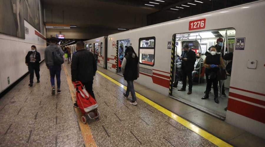Durante tres días: Metro de Santiago cerrará dos estaciones