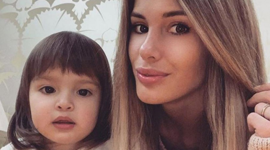 """""""Son igualitas"""": Gala Caldirola sorprende con match de look con su pequeña hija"""