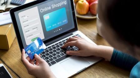 Abogado Rodrigo Logan explica qué hacer si no llega un producto comprado por internet