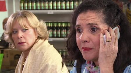Ester cree que Domingo tiene una amante