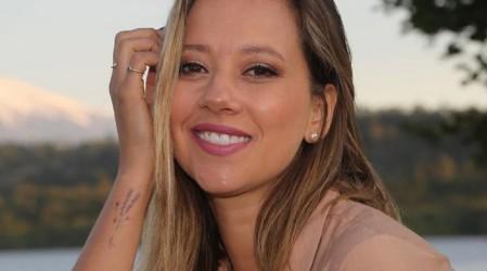 """La actriz """"Peka"""" Parra se dedicó a su emprendimiento en pandemia: Hace joyas personalizadas"""