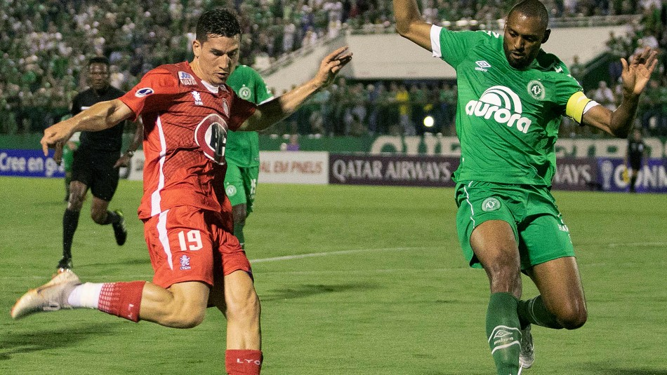 Imagen del duelo entre Chapecoense y Unión La Calera. / AgenciaUno