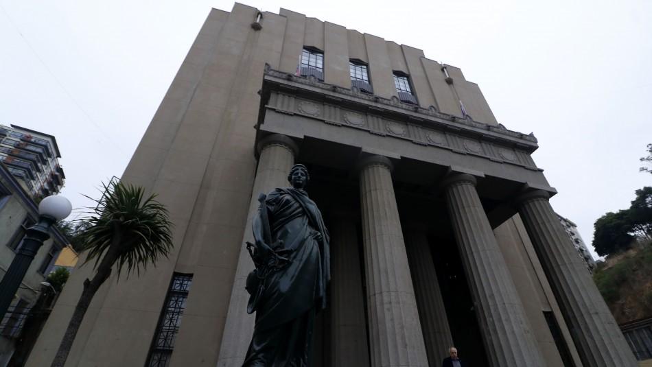 Corte de Valparaíso acoge amparo de estudiantes que denunciaron ser desnudadas por Carabineros / Agencia UNO.
