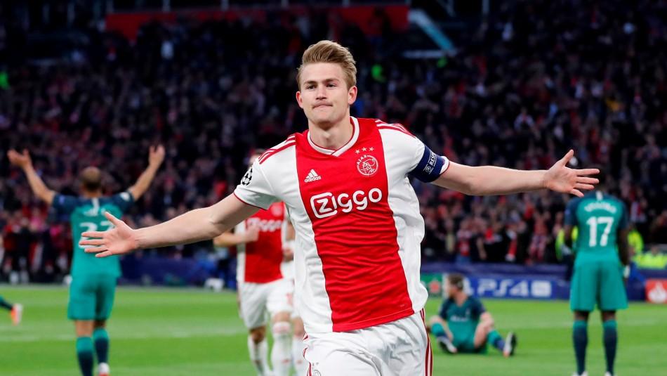 Ajax está celebrando en Champions. / Reuters