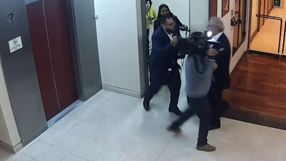 [VIDEO] Diputado René García agrede a periodista tras consultas por presunto comentario sexista