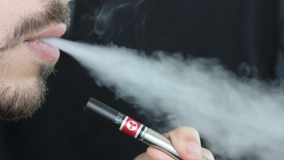 Estudio sostiene que líquidos para cigarros electrónicos pueden causar problemas cardíacos