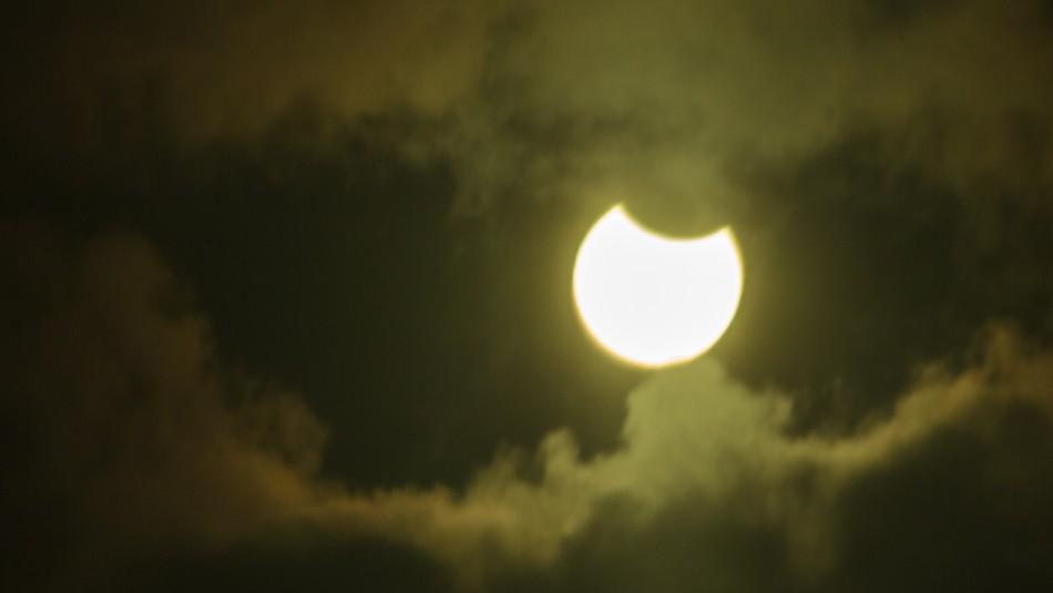 Conoce cómo puedes ver gratis el eclipse solar desde un avión