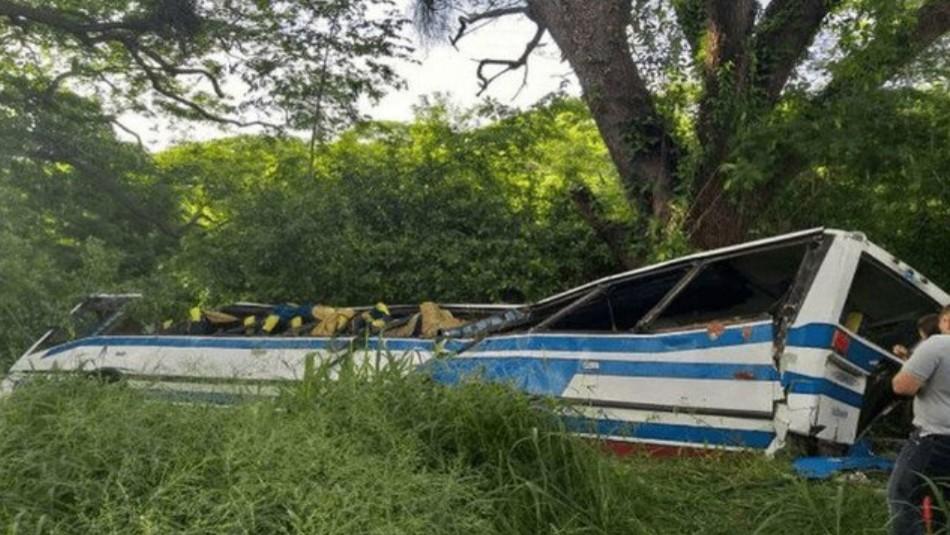 Al menos 18 muertos tras accidente de bus en Venezuela