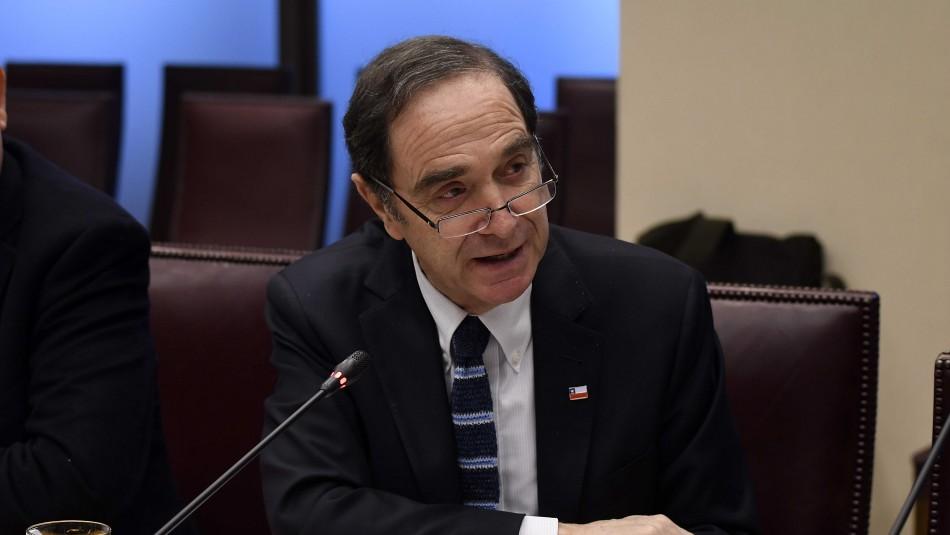 Fiscalía descarta que informe del Sename haya estado en manos de ministro Larraín