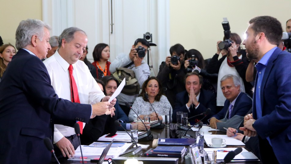 Gobierno ingresa indicaciones por reforma a pensiones entre tensión en la oposición