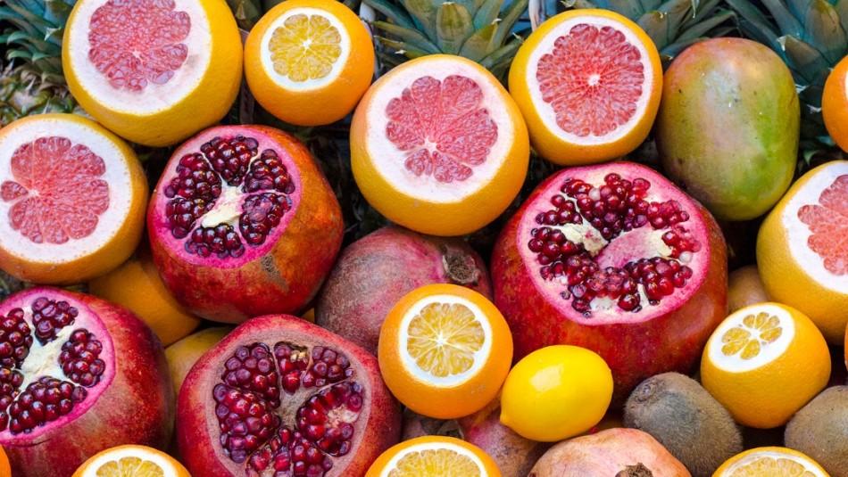 Mira la cantidad de azúcar y calorías que tienen estas siete frutas