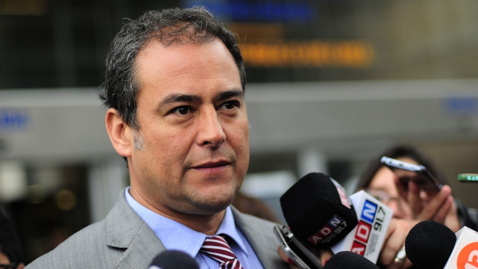 Las repercusiones tras la renuncia del fiscal Emilfork por conflictos con Abbott