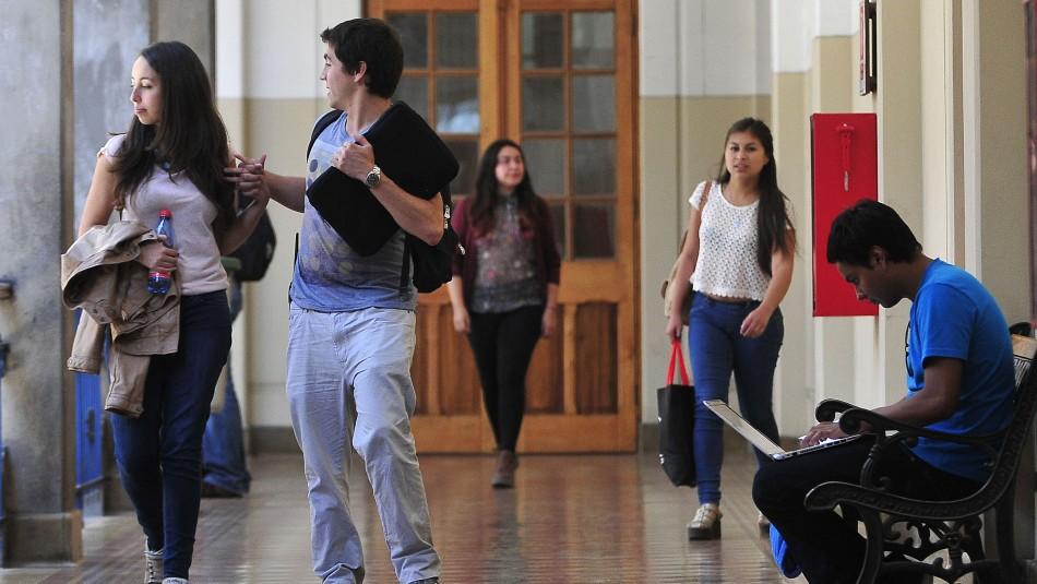 Aumenta violencia entre estudiantes: 25% de los jóvenes reconoce haber sido víctima