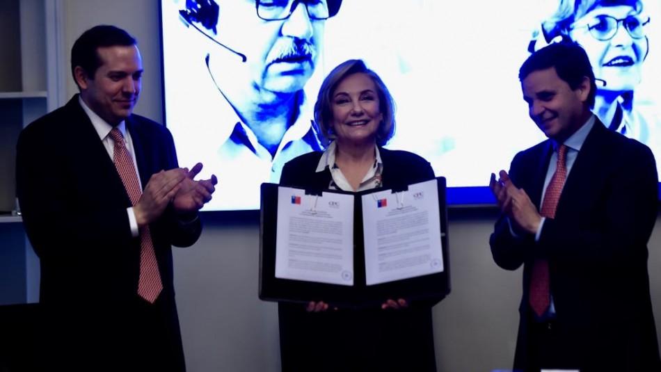 Primera Dama firma convenio de inclusión laboral para adulto mayor