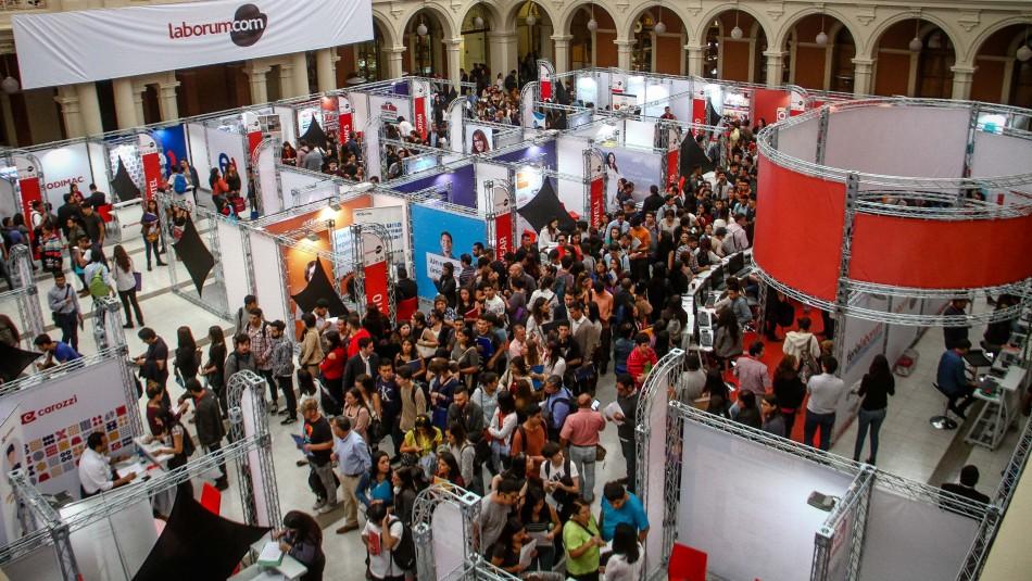 Más de mil empleos disponibles: Feria laboral permite postular vía online