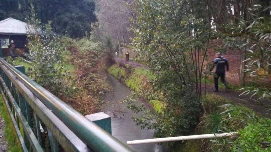 Encuentran dos cuerpos al costado de un canal en Temuco