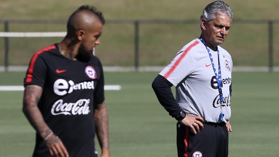 Reinaldo Rueda molesto con Vidal.