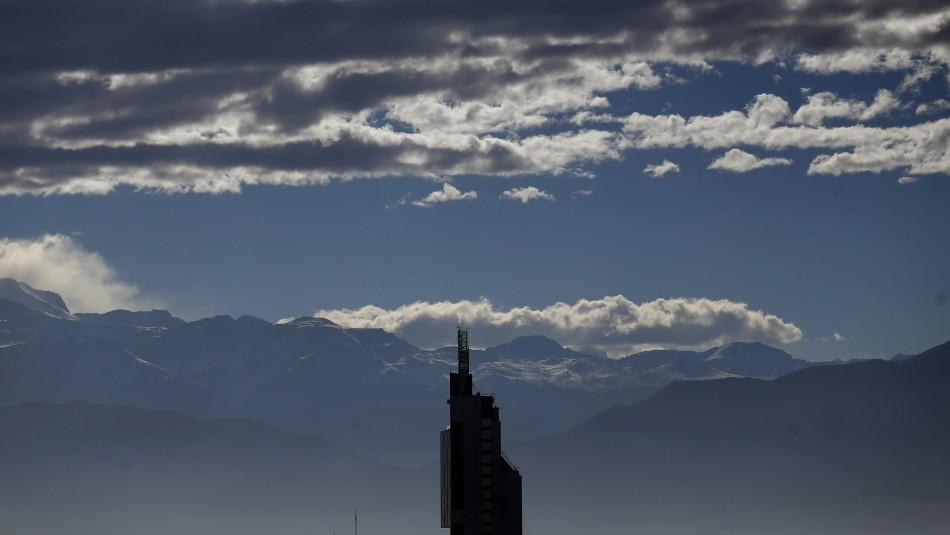 Se mantiene despejado: Revisa el pronóstico del clima para este viernes en Santiago