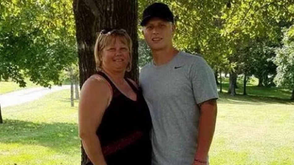 Madre revela radical cambio de apariencia de su hijo tras consumir drogas