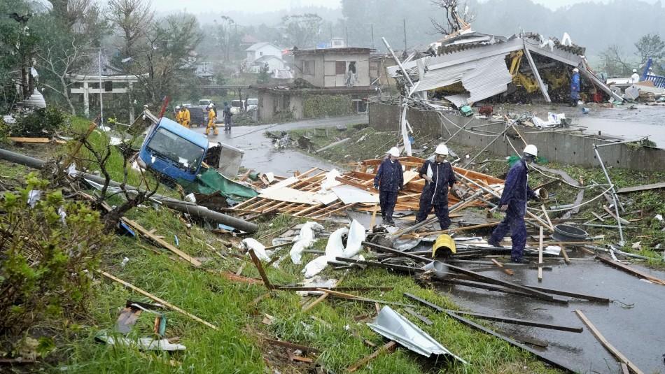 Terremoto y Tifón en Japón.