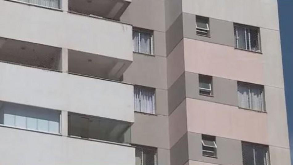 Niña de 10 años que sufre de sonambulismo sobrevivió tras caer de un noveno piso