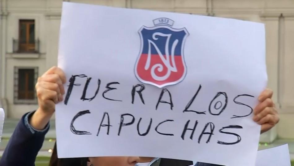Apoderados del Instituto Nacional protestan contra encapuchados: