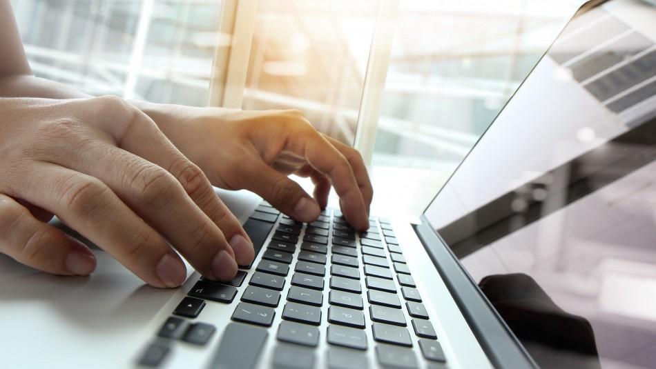 Fonasa: Nuevo sitio web permite realizar más de una decena de trámites por Internet
