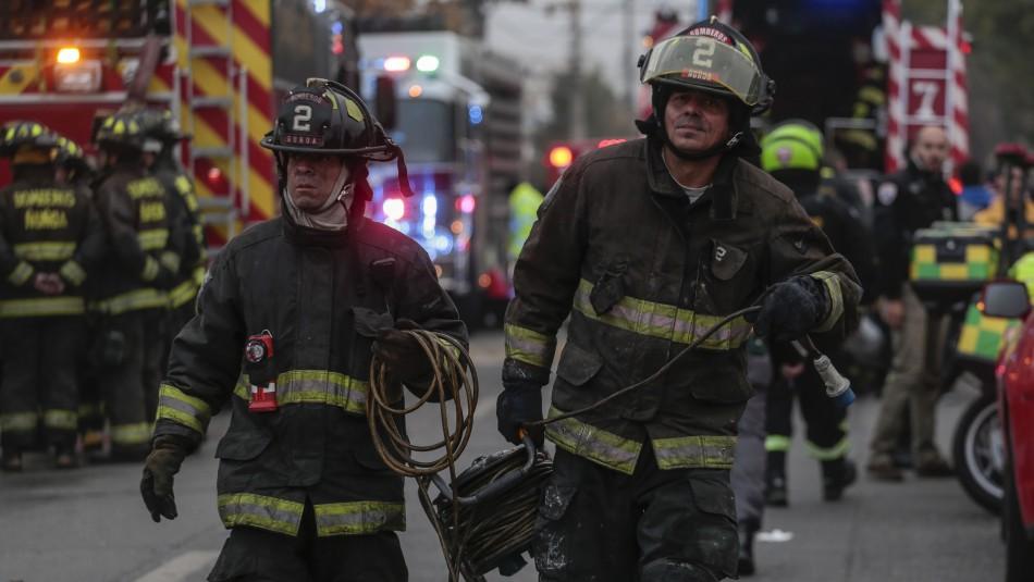 Tres muertos por incendio en supermercado de San Bernardo