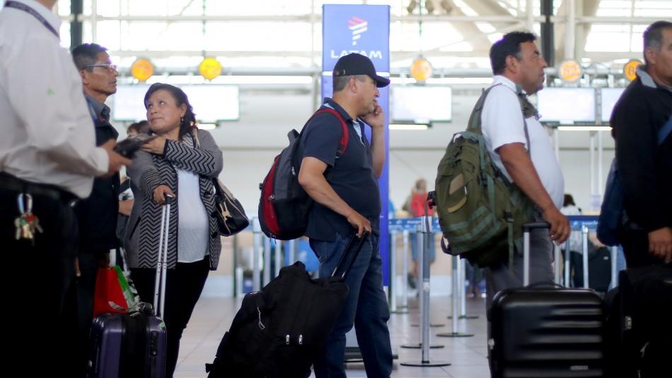 Reprograman vuelos en el Aeropuerto Internacional de Santiago