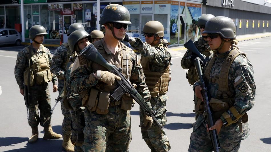 Talagante: 15 detenidos tras intervención militar en saqueo a supermercado