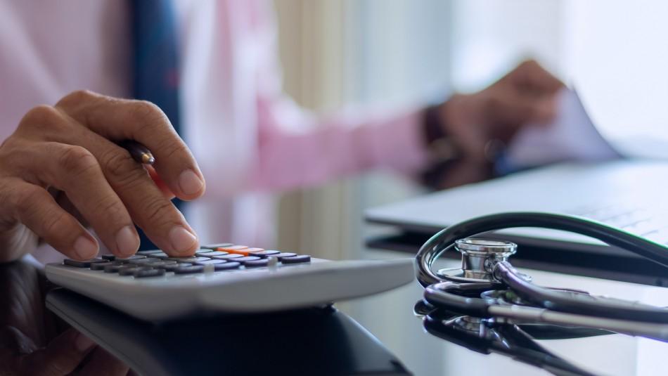 Excesos de Fonasa: Conoce el plazo para reclamar tu dinero