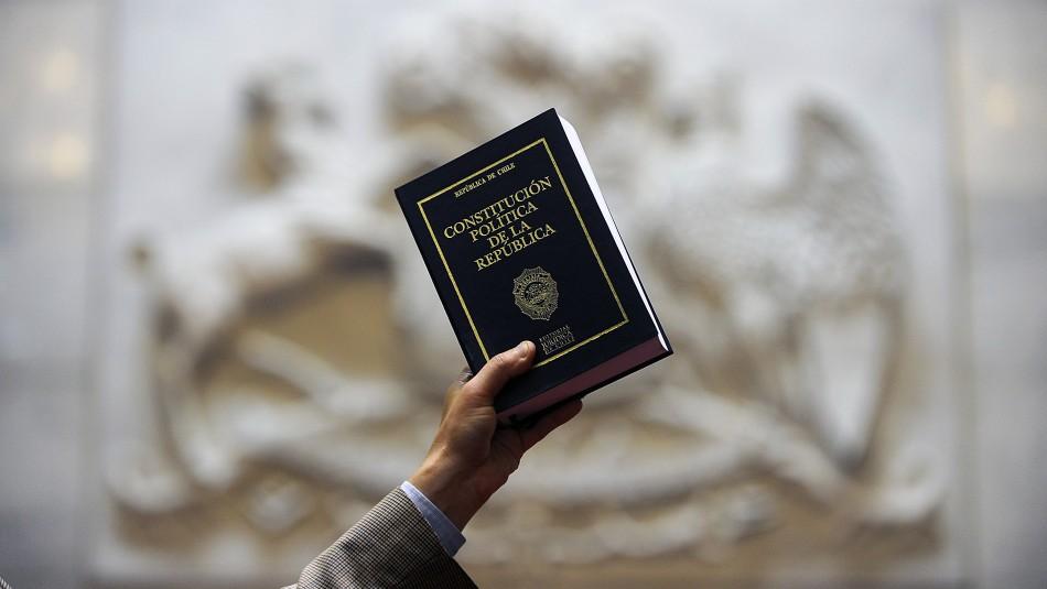 ¿Convención, Asamblea Constituyente u otra?: Las opciones que se barajan para una nueva Constitución