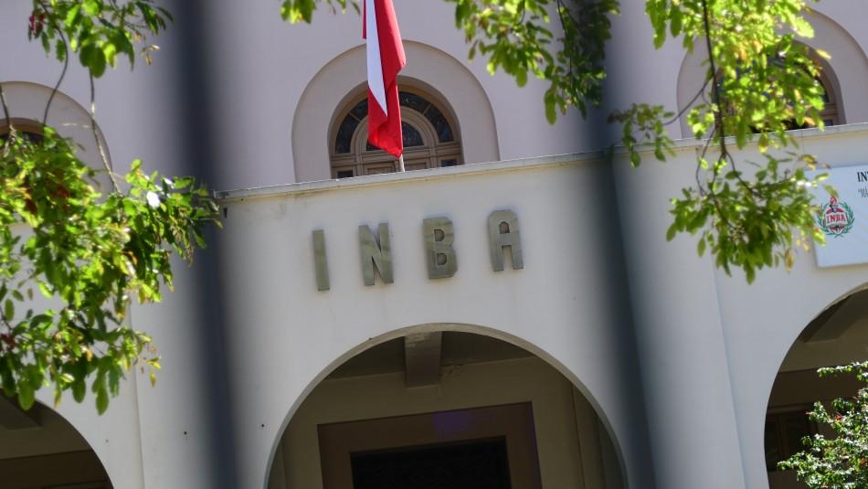 Apoderados del INBA por cierre de clases: