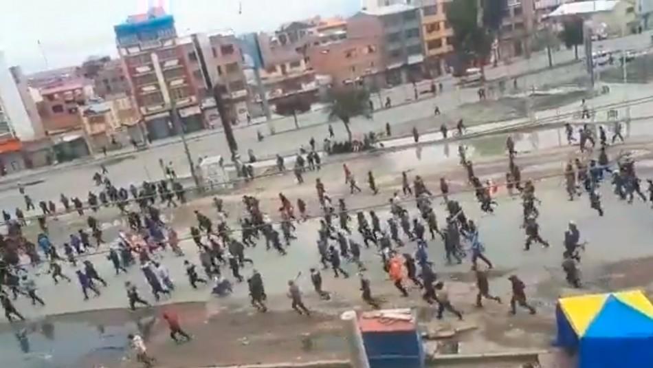 Manifestantes salen a apoyar a Evo Morales al grito de
