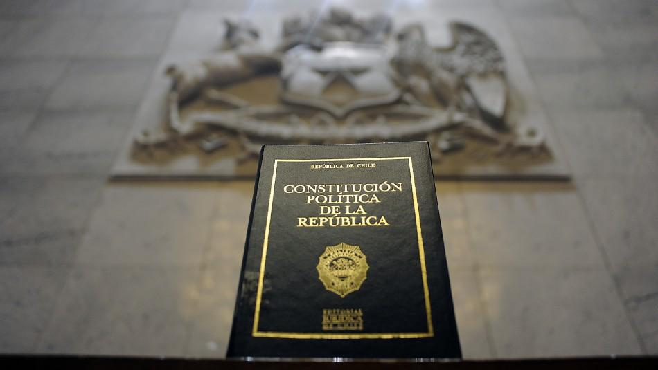 Comisión aprueba fórmula de Plebiscito para consultar por nueva Constitución