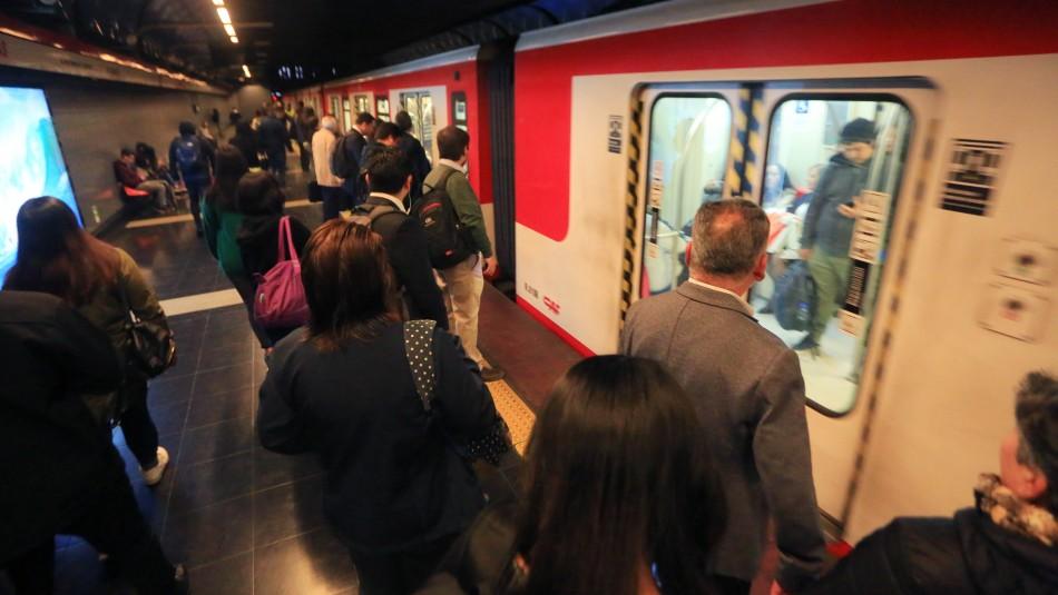 Metro de Santiago: Conoce el funcionamiento del tren subterráneo este jueves 14 de noviembre
