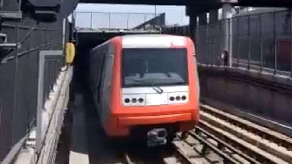 Metro electrifica tramo de la Línea 4A y avanza trabajos para restablecer servicio
