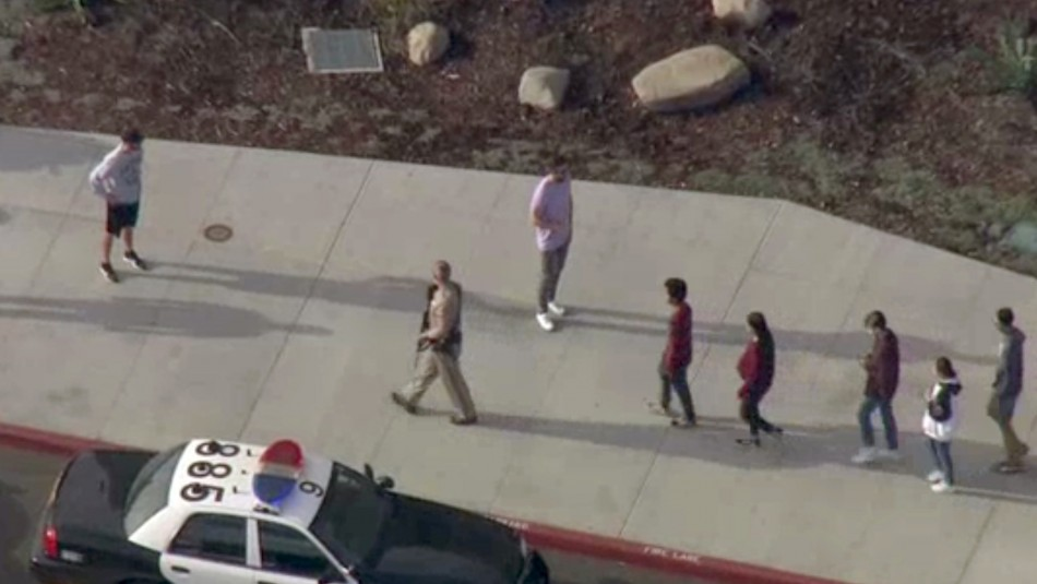 Al menos 7 heridos en tiroteo en una escuela cercana a California