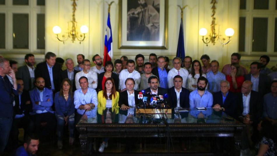 Mundo político reacciona al acuerdo por Nueva Constitución
