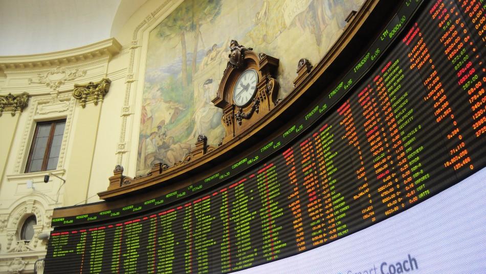 Bolsa de Santiago registra el mayor incremento diario en 10 años tras acuerdo para nueva Constitución