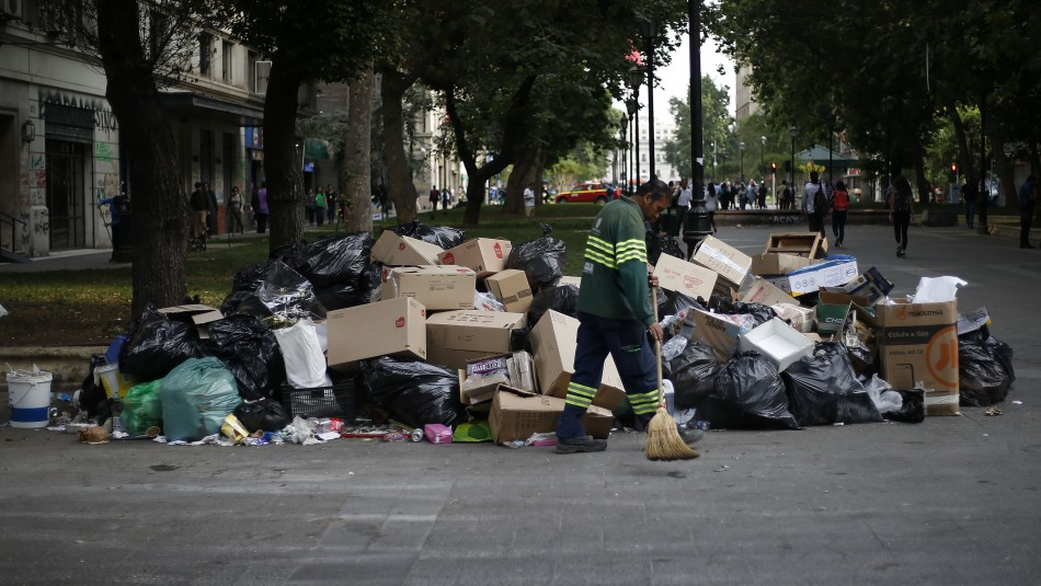 Recolectores de basura llegan a total acuerdo con el Gobierno y deponen el paro