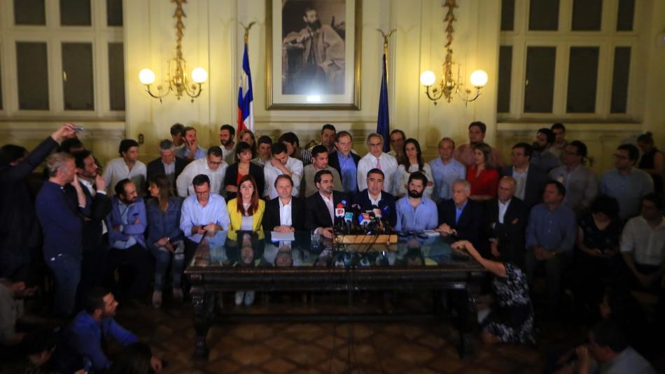Cadem: Un 82% de la ciudadanía aprueba la realización de nueva Constitución