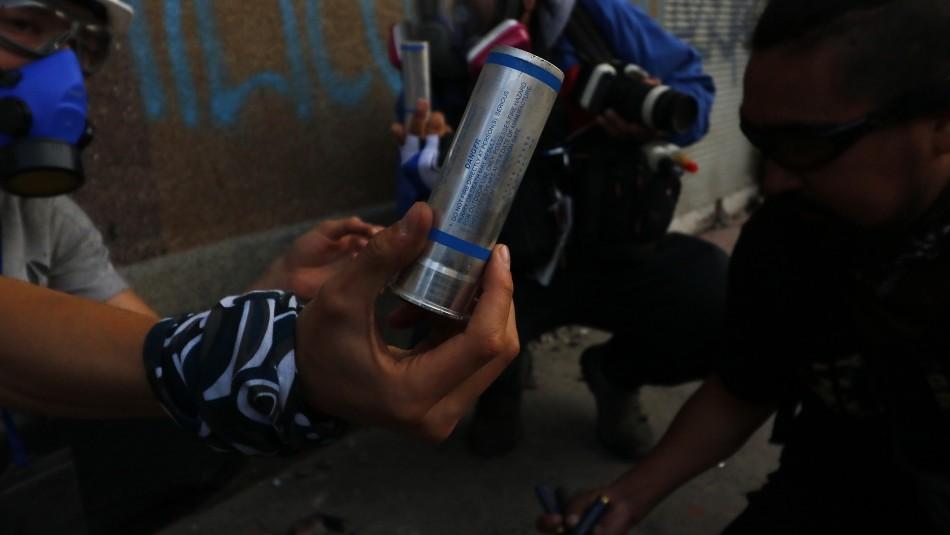 Carabineros por eventual uso de lacrimógenas vencidas y sus efectos: