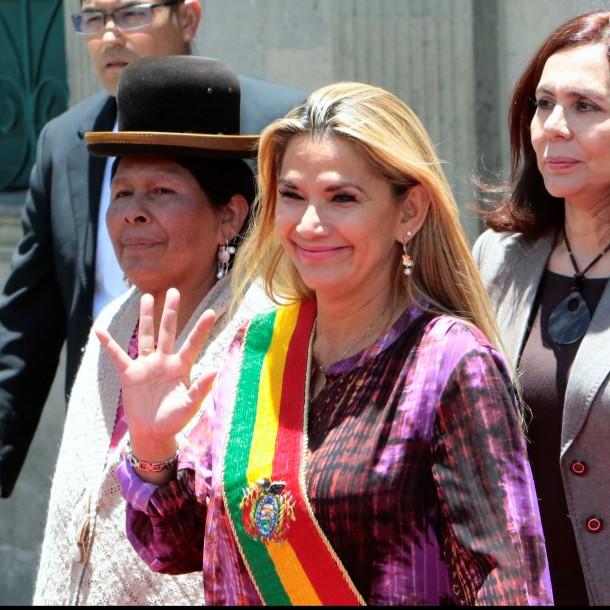 Presidenta interina de Bolivia: Si Dios lo permite en las próximas horas convocaré a elecciones