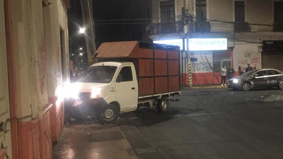 Conductor chocó contra muro tras intentar atropellar a carabineros en Calama